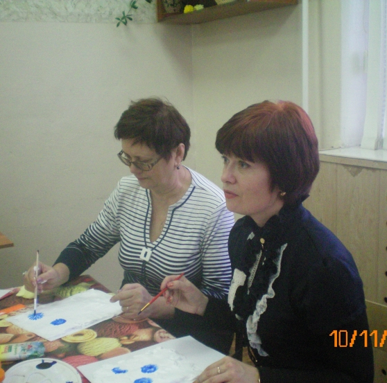 """Мастер-класс по использованию нетрадиционных методов рисования.  Монотипия  """"Цветы на пене для бритья """" ."""
