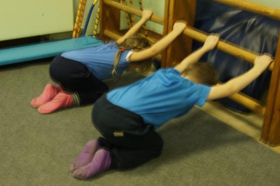 Детские упражнения для исправления осанки
