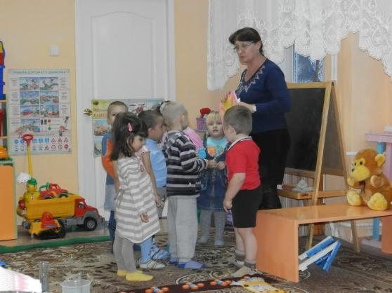 работа воспитателем без педагогического образования вакансии москва