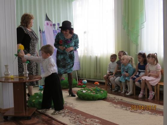 Фо�о�епо��аж заня�ия в ��едней г��ппе 171Об��ение Шапокляк
