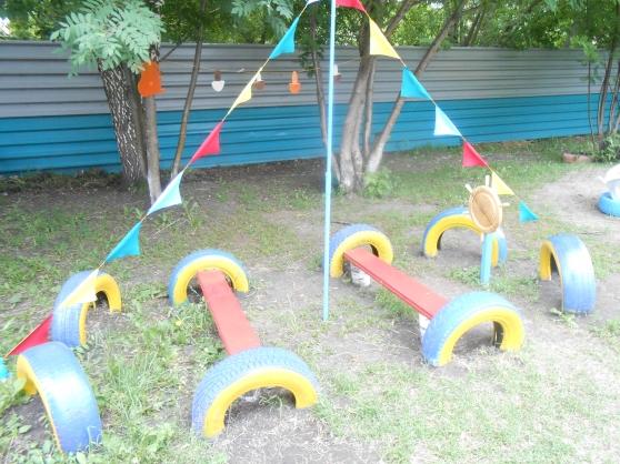 Оформление участка в детском саду из бросового материала