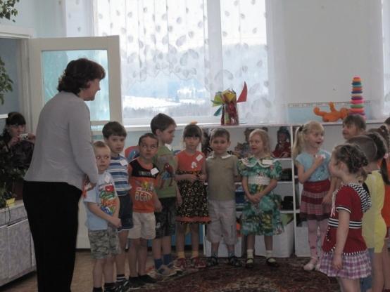 как познакомить ребенка с окружающим миром