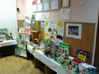 Выставка семейных работ к юбилею детского сада