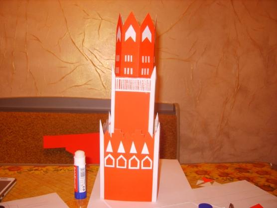 Макет башни из бумаги