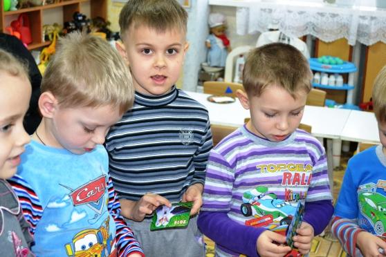 знакомство детей с разными видами бумаги