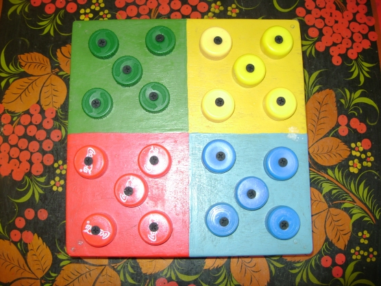 Дидактическая игра для детей раннего возраста «Грибочки, по местам!».