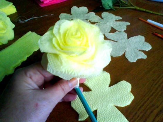 Видео мастер класс розы из салфеток 150
