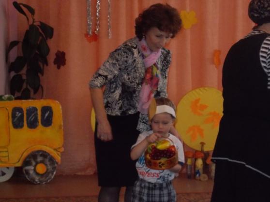 «Бабушка, дедушка и я— лучшие друзья!» Сценарий развлечения в средней группе к Дню бабушек и дедушек