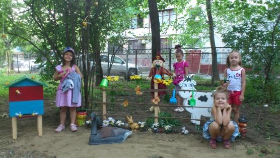 Оформление детской площадки к летнему