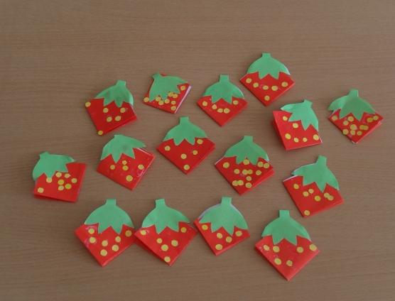 Клубничка (оригами)