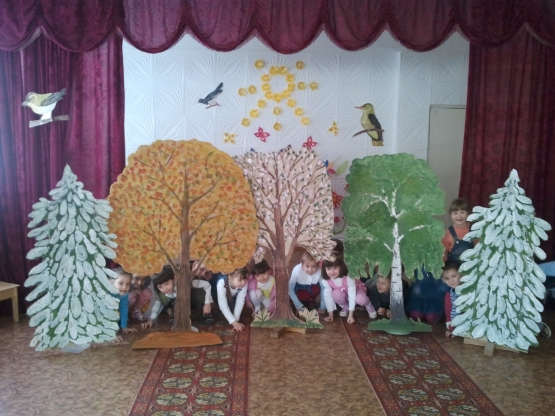 дерево своими руками декорация для детского сада