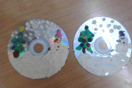 Поделки с малышами с дисками