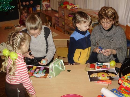 Мастер-класс для родителей младшей группы по изготовлению елочных игрушек из различных материалов. Воспитателям детских садов, ш