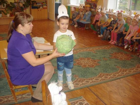 знакомство младших дошкольников с окружающим через