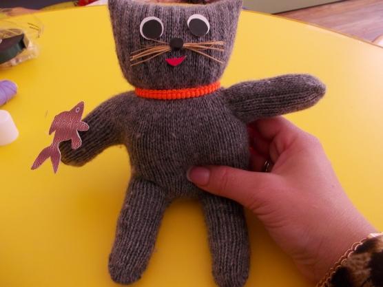 Кот из перчатки видео