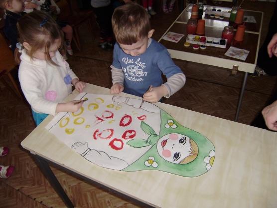 знакомство детей с дымковской игрушкой младшая группа