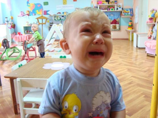 Ребенок плачет в детском саду, что делать?
