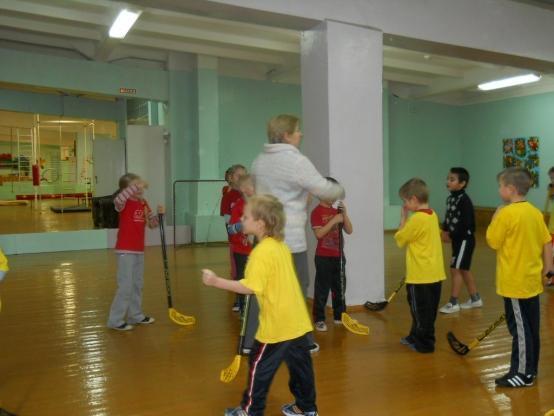 Оформление спортивного зала в детском саду. Воспитателям ... утренняя гимнастика в детском саду