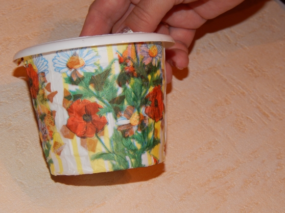 Украсить горшок салфетками своими руками