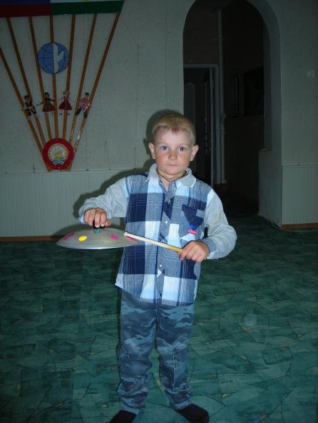 Озвучивание стихов на детских музыкальных инструментах.