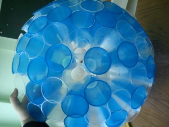 Игрушки из пластиковых стаканчиков как делать