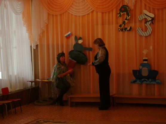Спортивно-музыкальный праздник «Мы играли в паповоз» (с участием родителей)