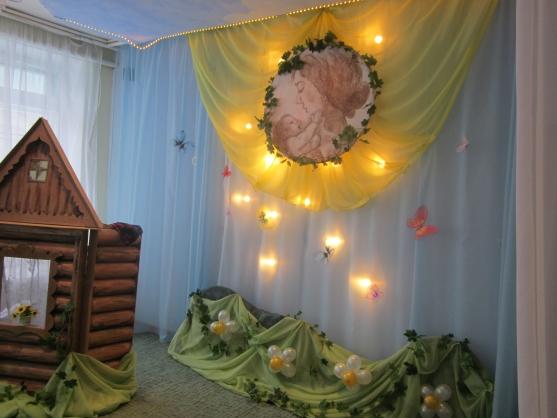 Оформление зала к празднику 8 Марта