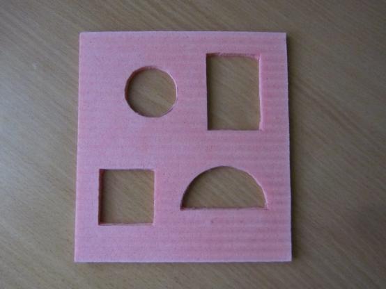 познакомить детей с геометрической фигурой овал