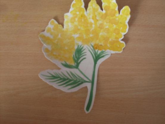 Знакомство с малышей весенними цветами