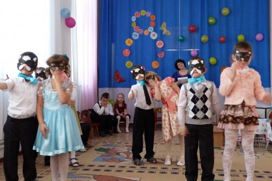 «Сказочный сюрприз». Сценарий праздника к международному женскому Дню для старших дошкольников
