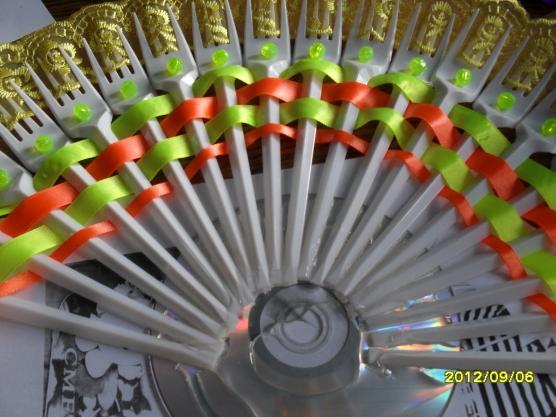 Веер поделки из бросового материала 65