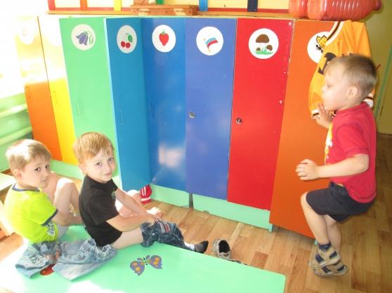 Оформление участка детского сада летом