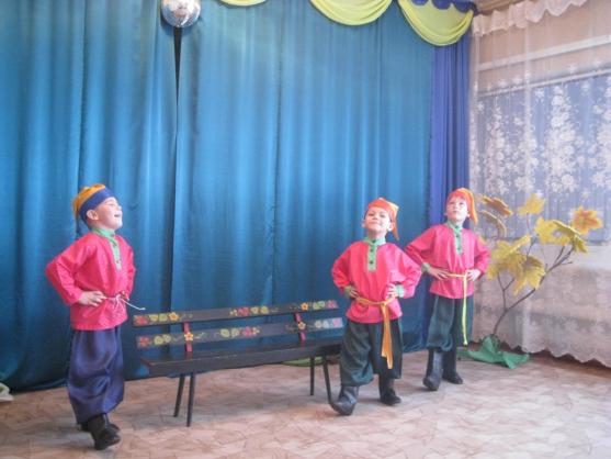 сценарий новогоднее театрализованное представление для детей