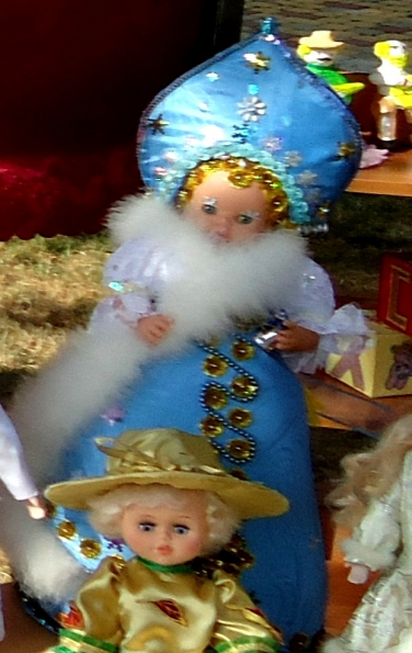Корона для Снегурочки и новогодний костюм для куклы ... - photo#19