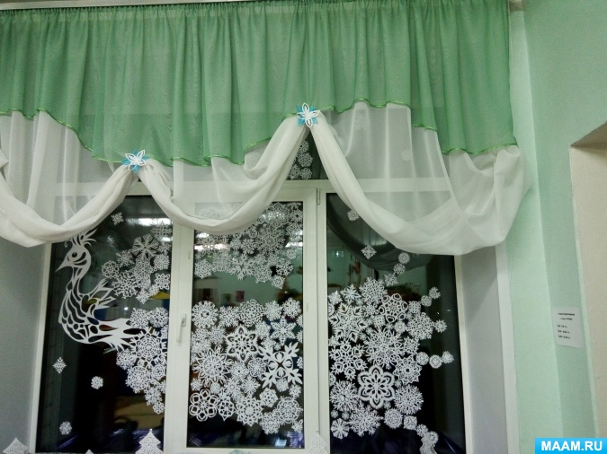 «Вспоминая новогоднюю сказку». Оформление группы к Новому году
