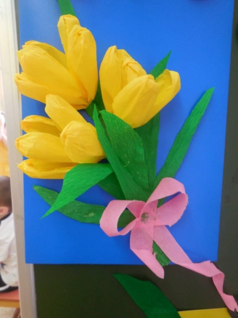 Подарок маме из гофрированной бумаги своими руками