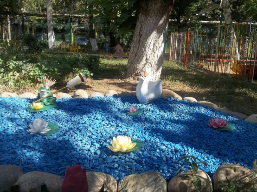 Озеро на участке детского сада