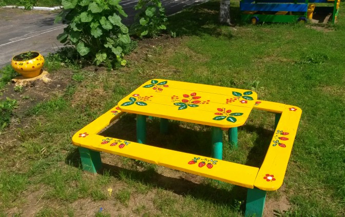Столик на детскую площадку своими руками 36