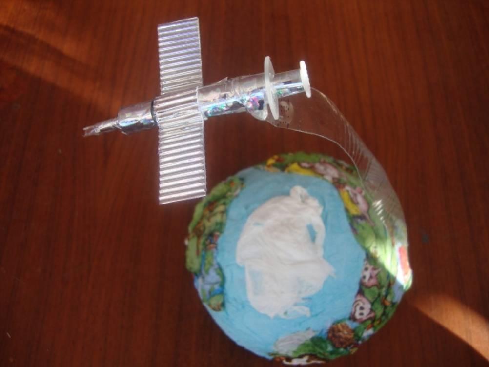 Поделки ко Дню космонавтики своими руками для детей с
