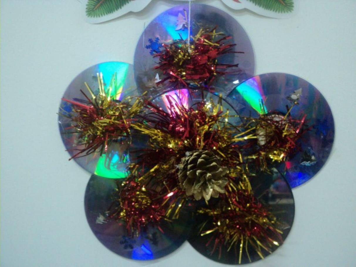 Поделки из дисков как украшения