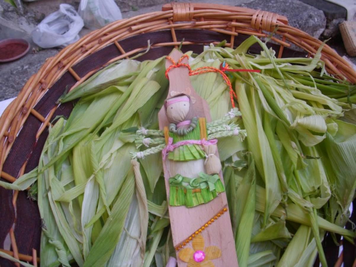 Как заготовить листья кукурузы для поделок 48