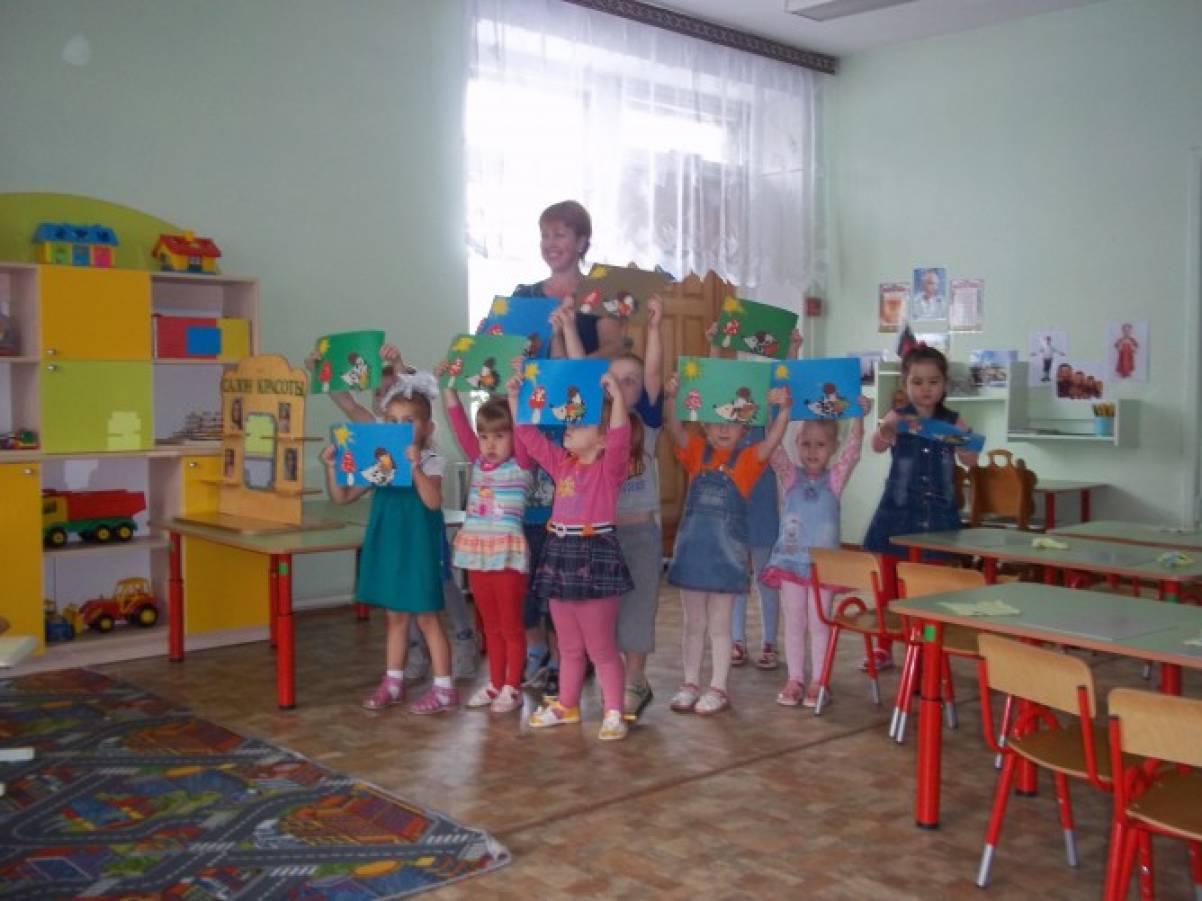 веселое знакомство с детьми на празднике