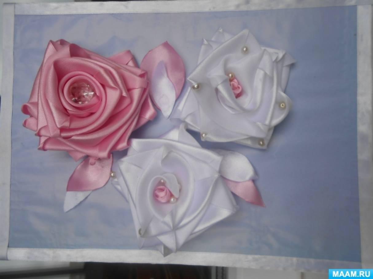Панно из атласных лент «Розы»