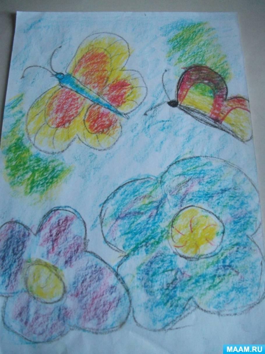 Фотоотчёт о выставке детских творческих работ на тему «Лето»
