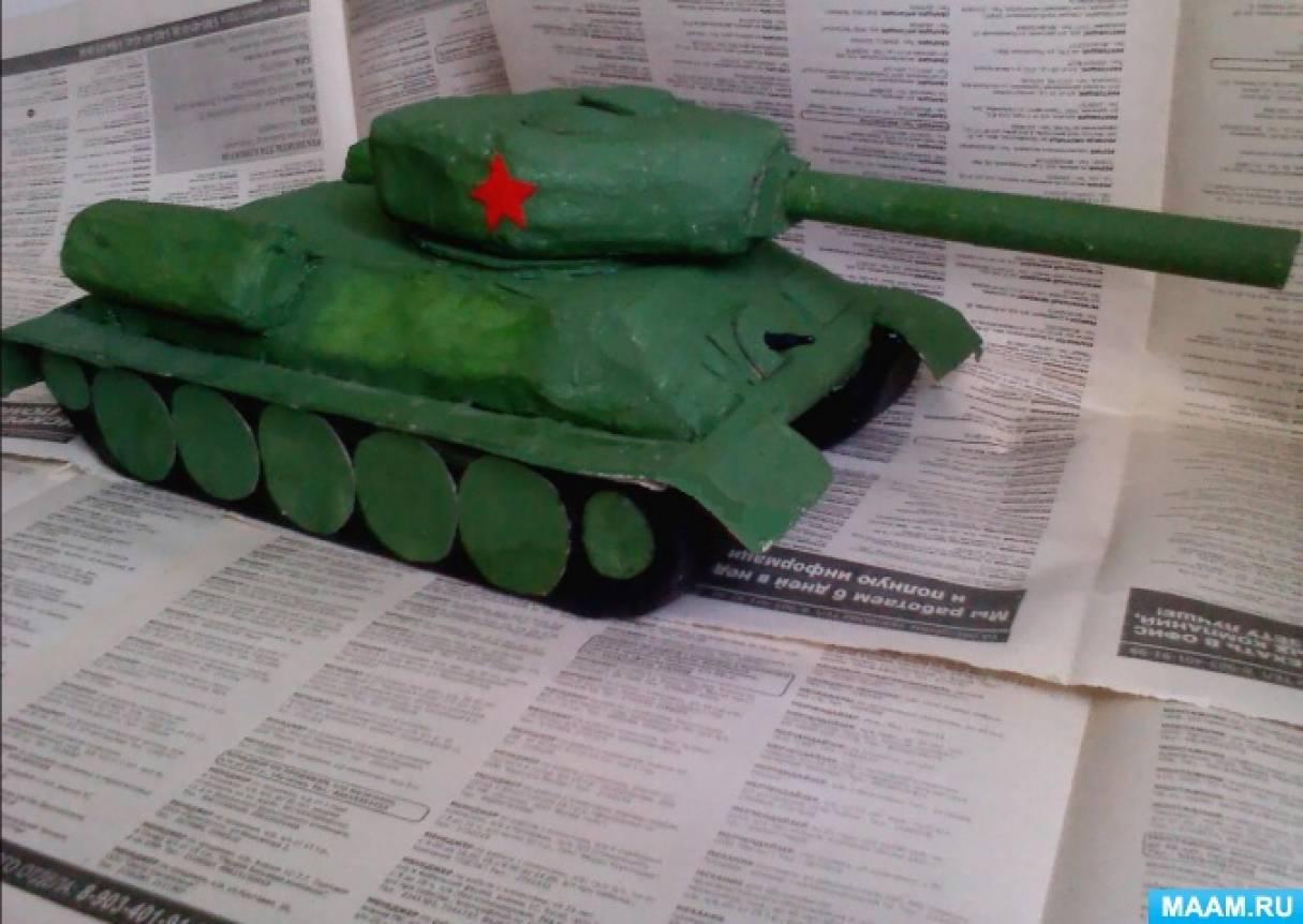 Макет советского танка Т-34 из спичных коробков и бумаги