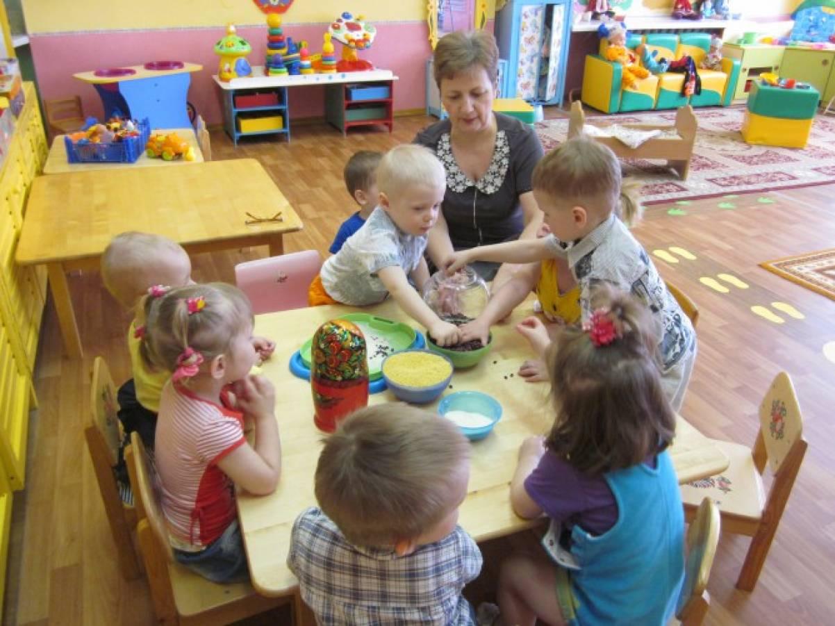 знакомство с матрешкой детей раннего возраста