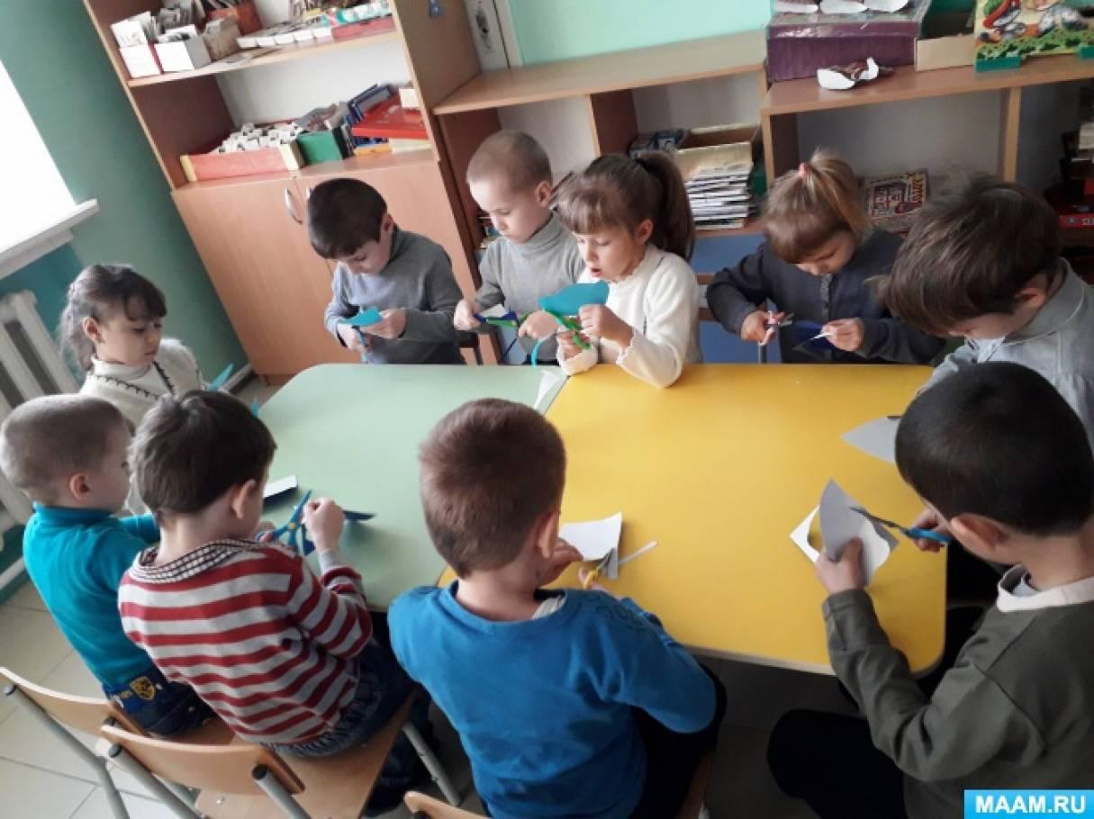 Конспект занятия по аппликации с элементами рисования ватными палочками «Снежные тучки» (старшая группа)