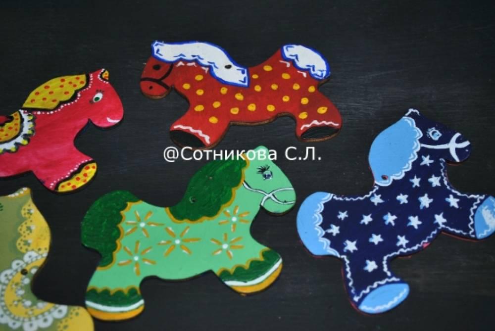 Мастер-класс по росписи деревянной лошадки