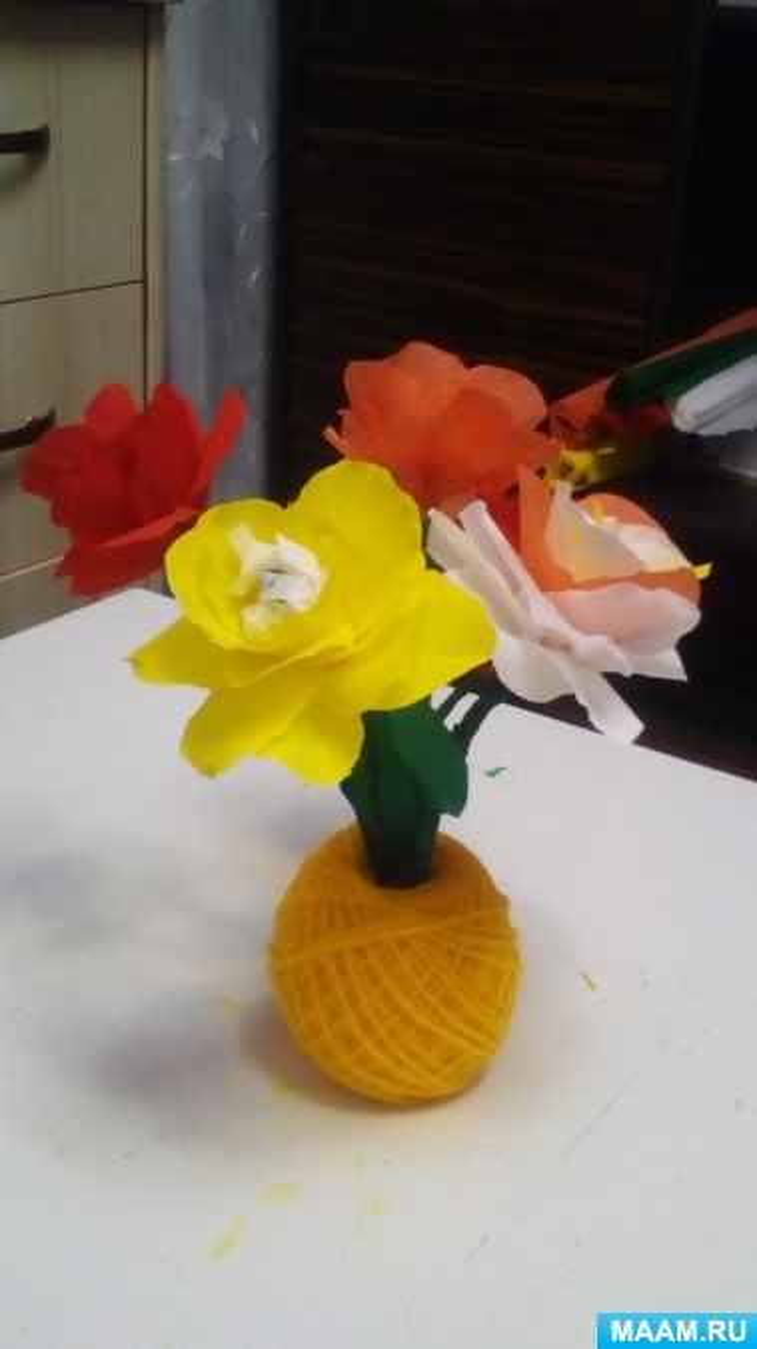 Мастер-класс «Цветы из гофрированной бумаги»
