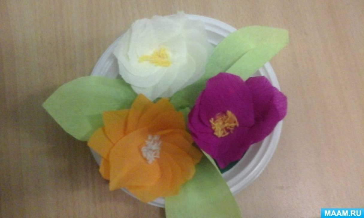Композиция из бумажных цветов на одноразовой тарелке к Дню матери